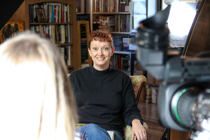 Artist Jackie Weatherly interviewed by ThinkTV